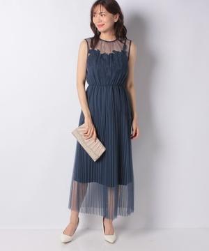 チュールプリーツ刺繍モチーフ付ドレス