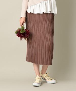 サテンプリーツタイトスカート