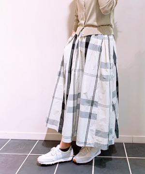 【anana】チェック柄メモリーフレアースカート