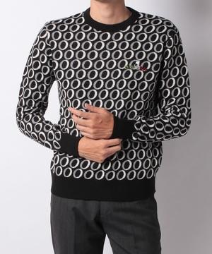 オログラムジャガードクルーセーター