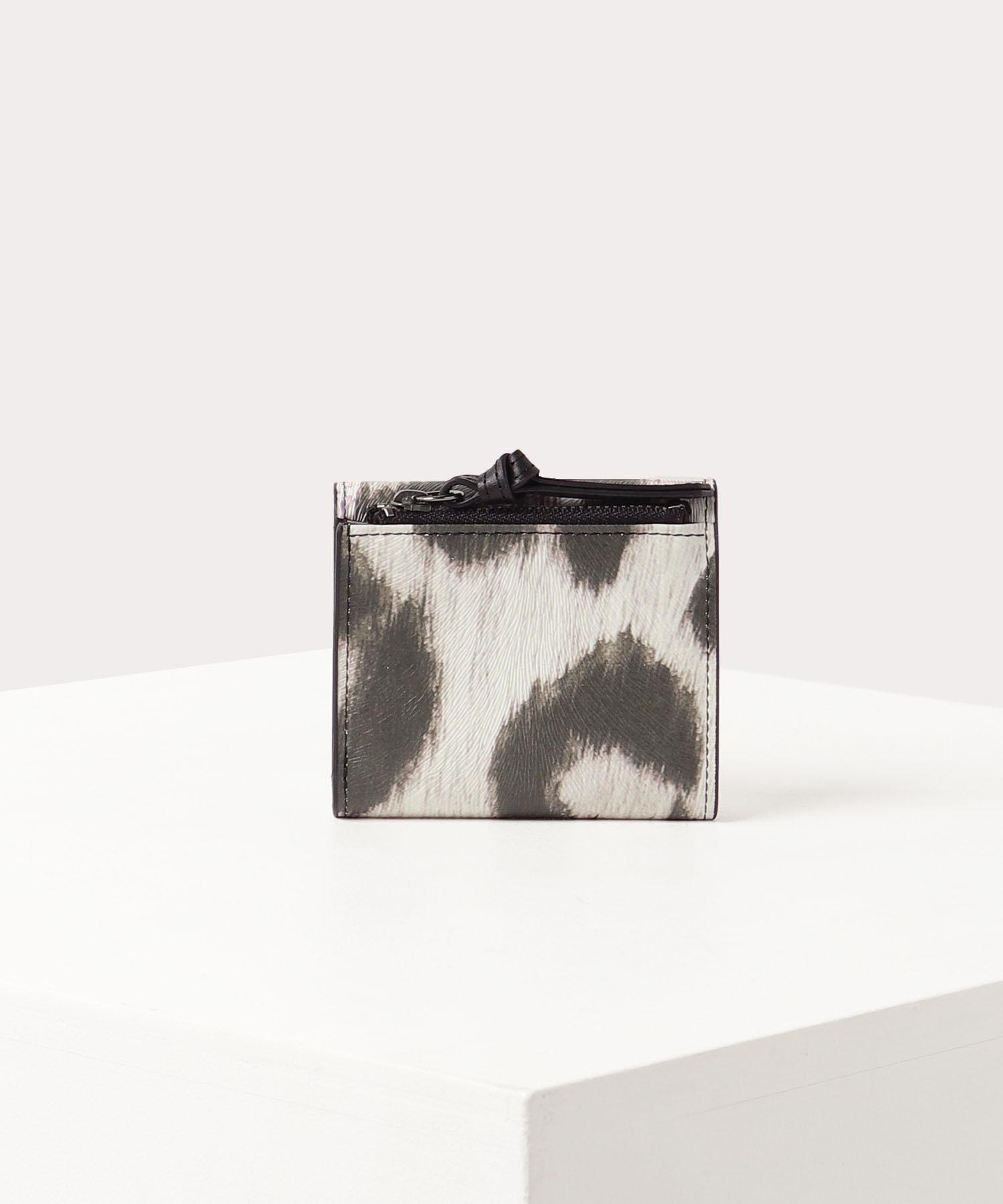 レオパード 三つ折り財布