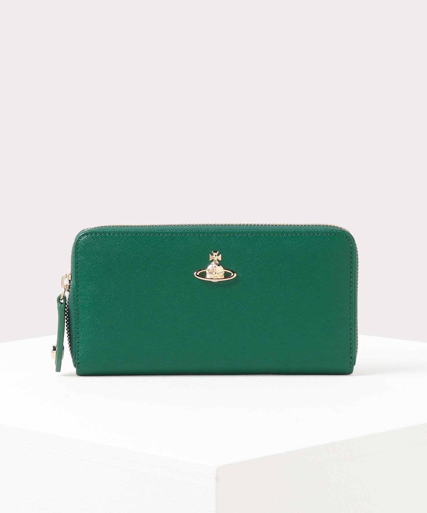 金運&運気アップする緑の財布のおすすめVivienne WestwoodのVICTORIA ラウンドファスナー長財布
