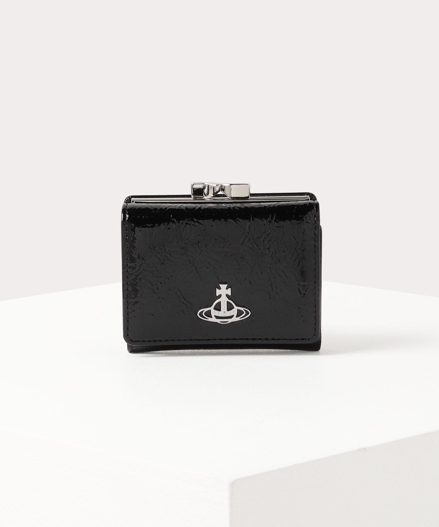 クリスマスプレゼントにおすすめなお財布はヴィヴィアンウエストウッドのPAVILLONです